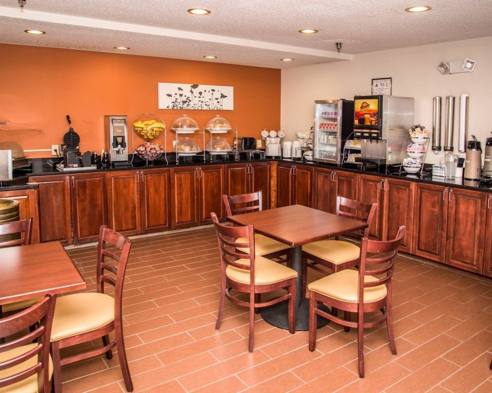 Breakfast Area, Sleep Inn & Suites at Concord Mills