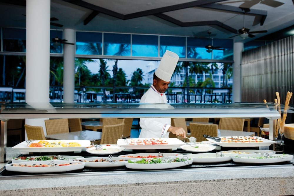 Buffet, Riu Palace Macao – Adults Only All Inclusive