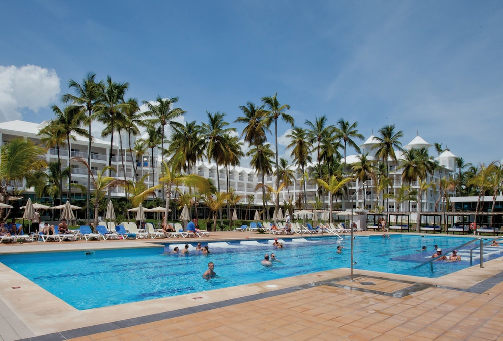 Outdoor Pool, Riu Palace Macao – Adults Only All Inclusive