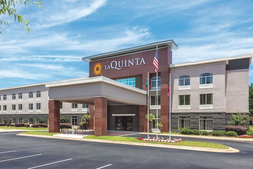 La Quinta Inn & Suites by Wyndham Columbus North