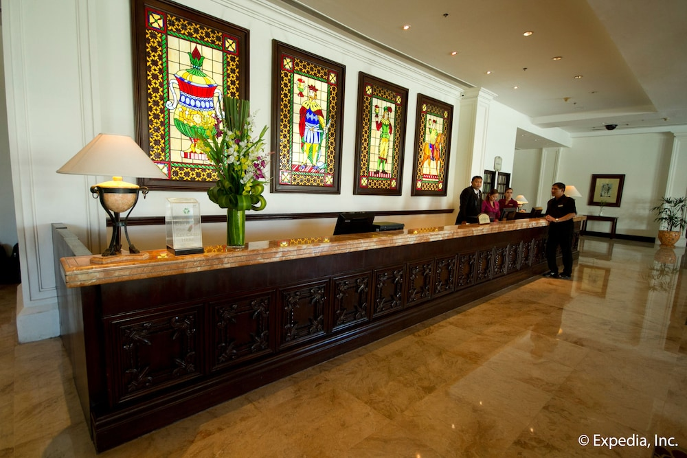 Reception, Waterfront Airport Hotel & Casino