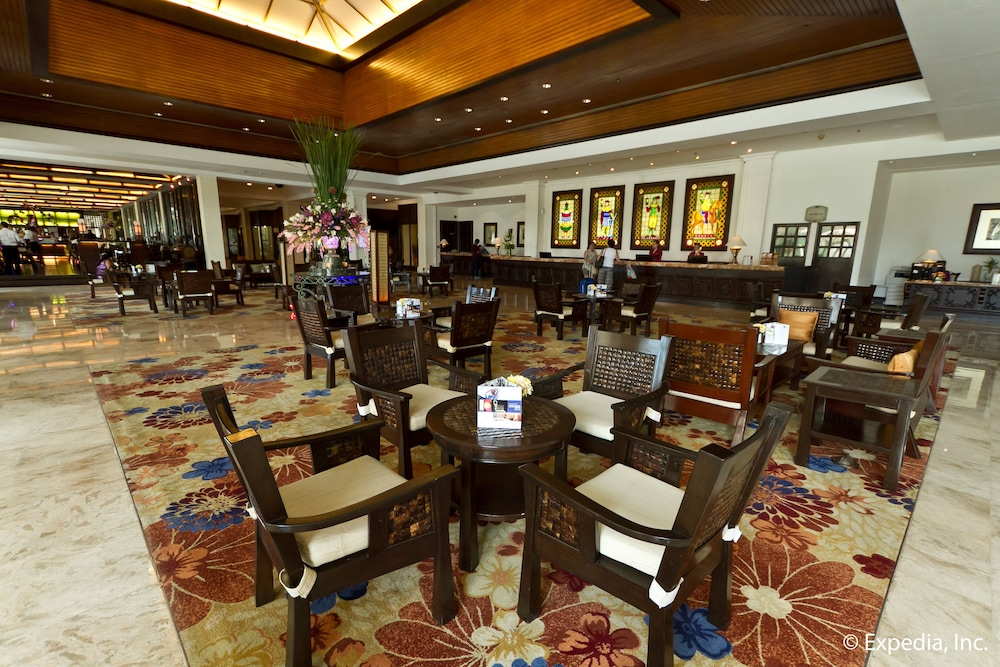 Breakfast Area, Waterfront Airport Hotel & Casino