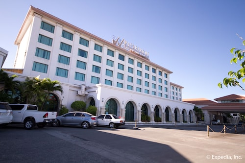 Waterfront Airport Hotel & Casino