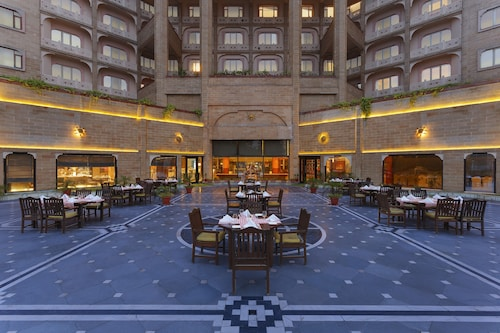 盧迪亞納麗亭酒店
