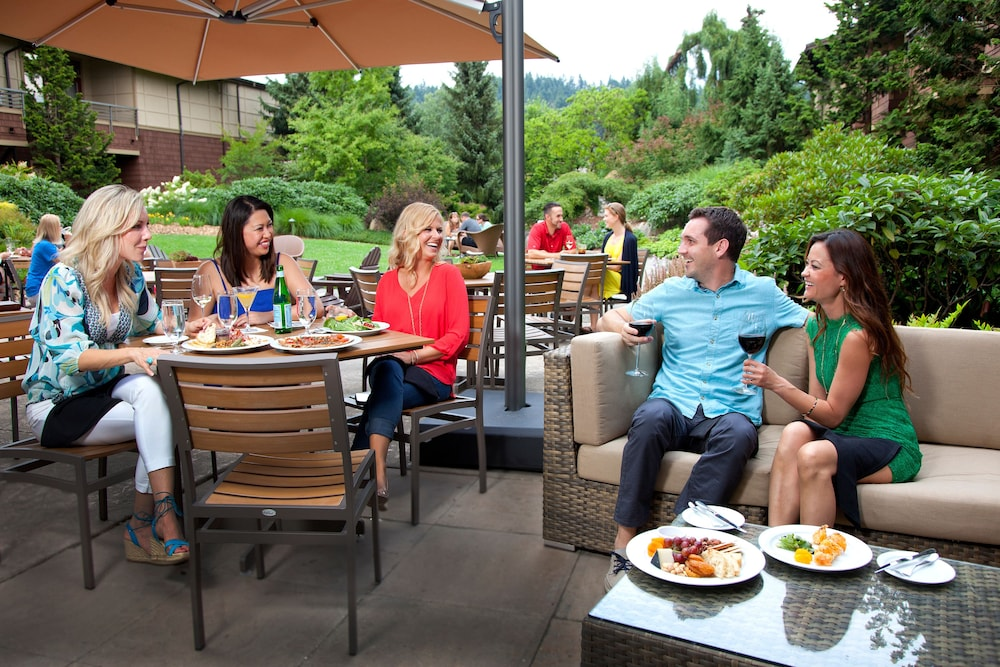 Outdoor Dining, Willows Lodge