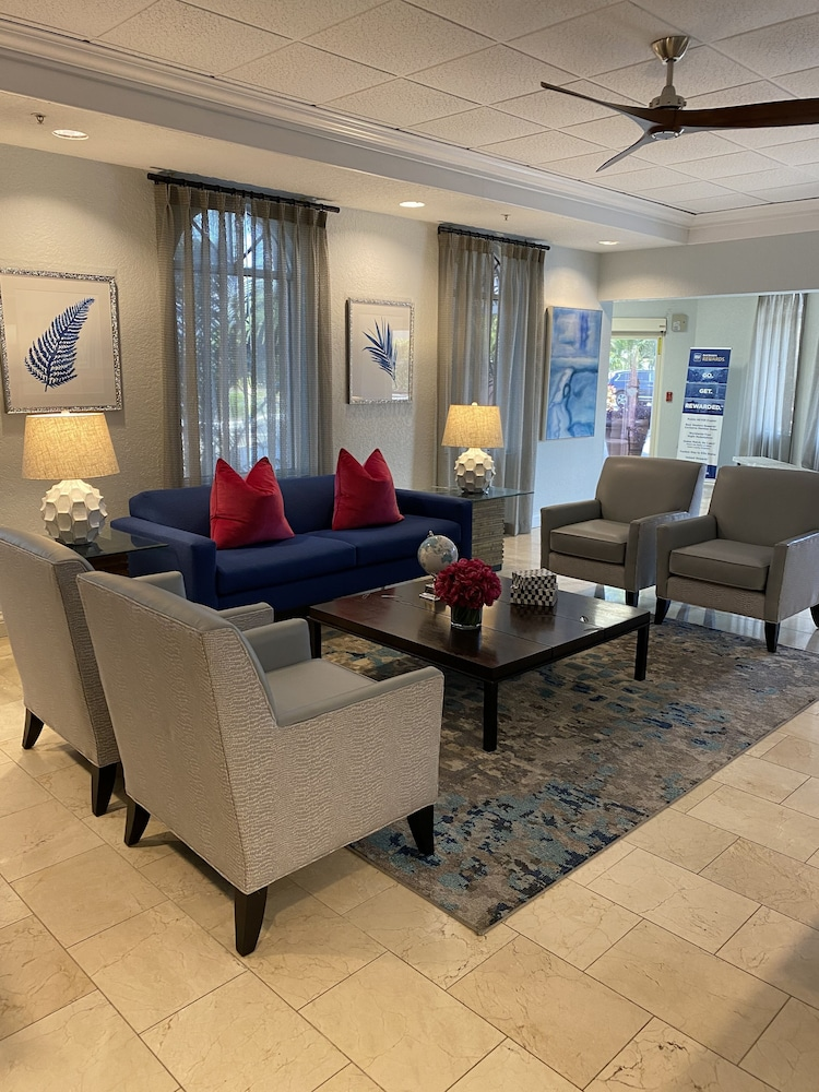 Lobby Sitting Area, Best Western Tampa