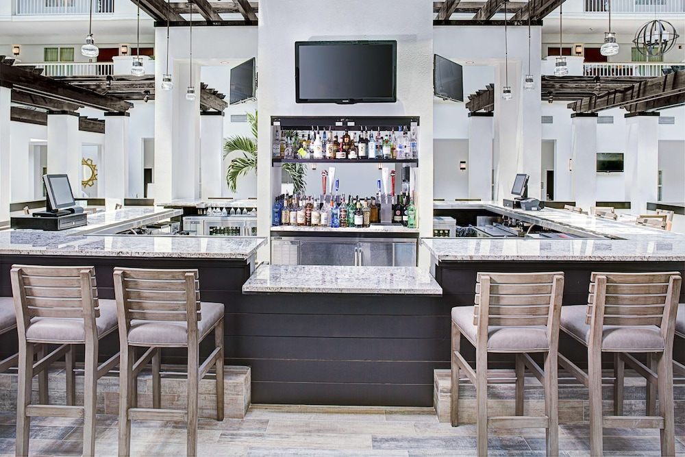 Bar, Embassy Suites Hotel Destin Miramar Beach