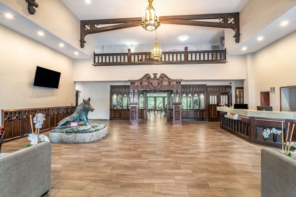 Lobby, Riverview Inn & Suites, Ascend Hotel Collection