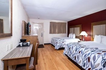 Red Roof Inn Neptune Jersey Shore Red Bank Tinton Falls 80 Room Prices Reviews Travelocity