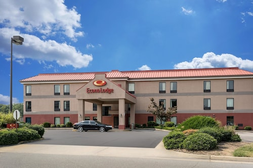 Econo Lodge near Fort Lee at I-295