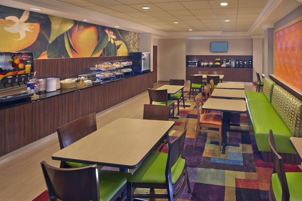Restaurant, Fairfield Inn And Suites By Marriott Boca Raton