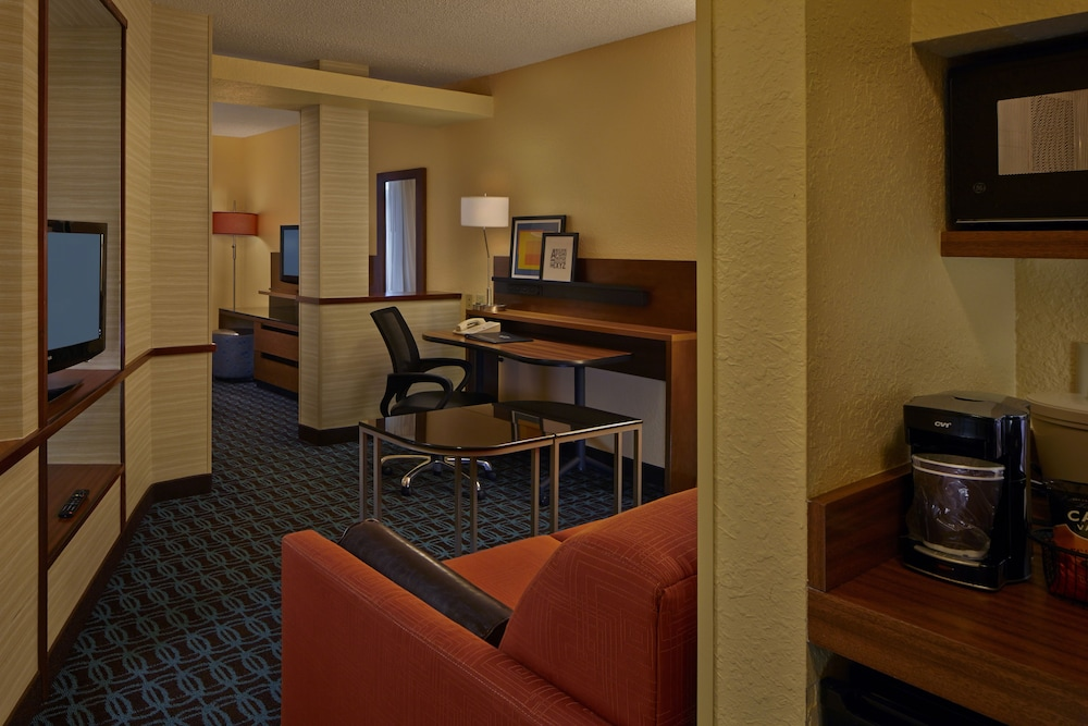 Living Area, Fairfield Inn And Suites By Marriott Boca Raton