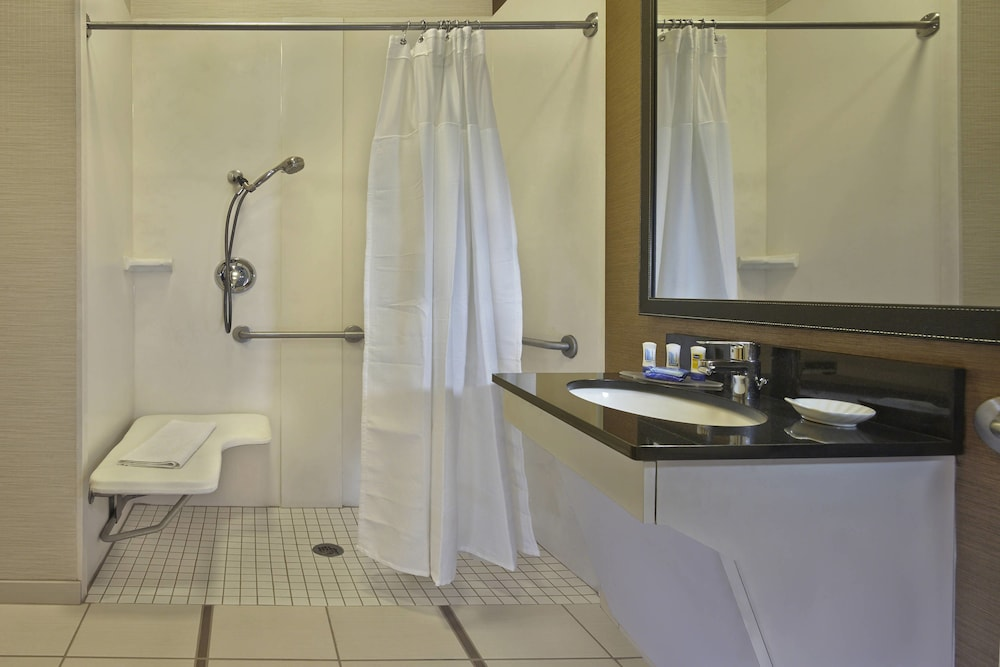 Bathroom, Fairfield Inn And Suites By Marriott Boca Raton