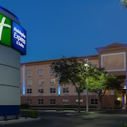 Holiday Inn Express Hotel & Suites Plant City