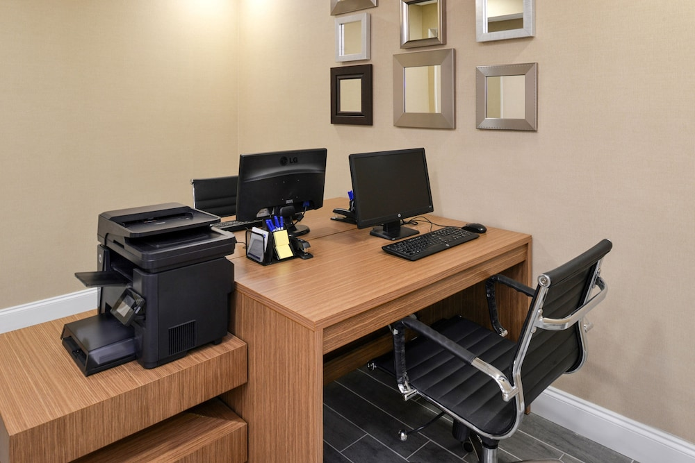 Business Center, Holiday Inn Express & Suites Naples North - Bonita Springs, an IHG Hotel