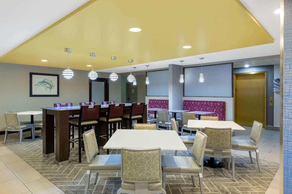 La Quinta Inn by Wyndham Pigeon Forge-Dollywood: 2019 Room