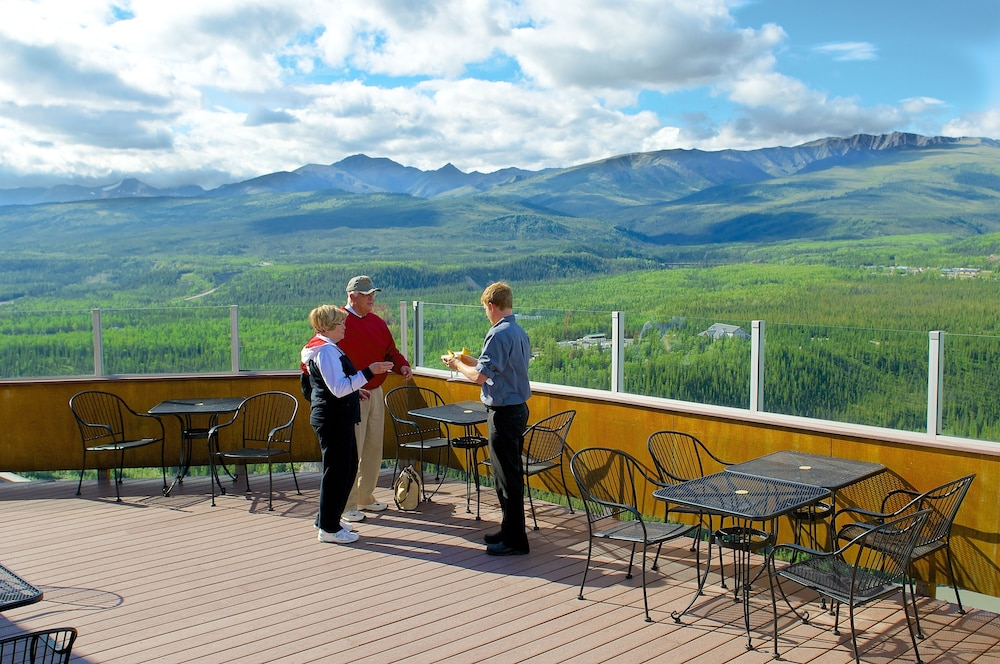 Terrace/Patio, Grande Denali Lodge