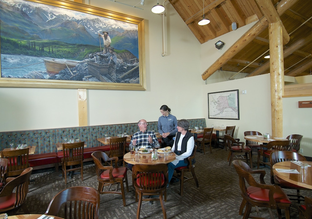 Interior, Grande Denali Lodge