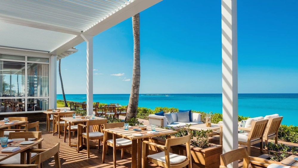 Outdoor Dining, The Ocean Club, A Four Seasons Resort, Bahamas