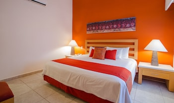 Suite, 2 Bedrooms, Oceanfront (Family Emotion Suite -  All Inclusive) - Guestroom