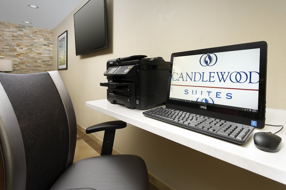 Business Center, Candlewood Suites Richmond-South