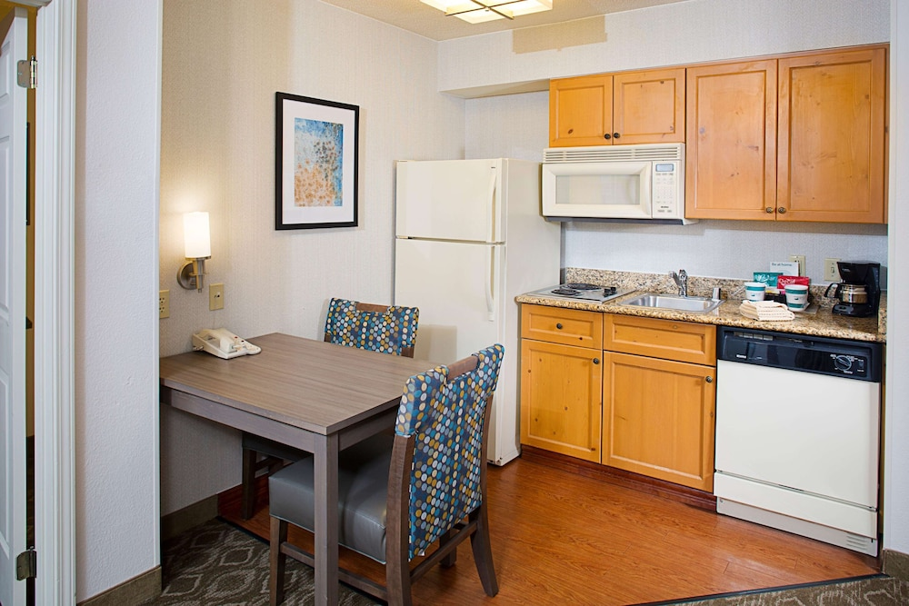 Private Kitchen, The Homewood Suites by Hilton Colorado Springs North