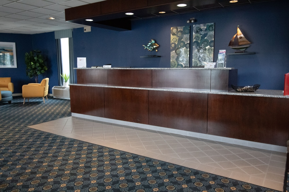 Lobby, Seaport Inn & Marina