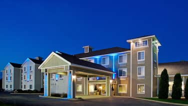 Holiday Inn Express & Suites New Buffalo
