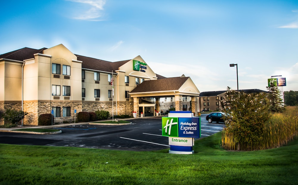 Featured Image, Holiday Inn Express & Suites South Haven, an IHG Hotel