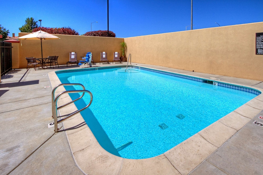 Pool, Hampton Inn Milpitas