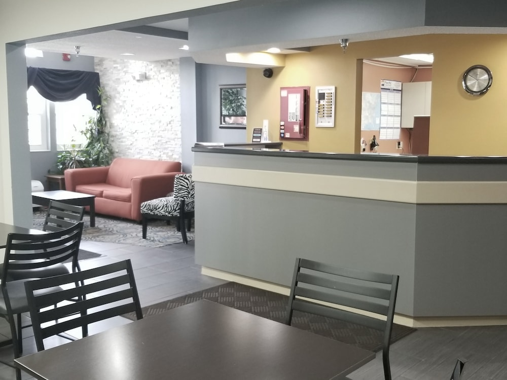 Lobby Sitting Area, Microtel Inn & Suites by Wyndham Dayton/Riverside OH