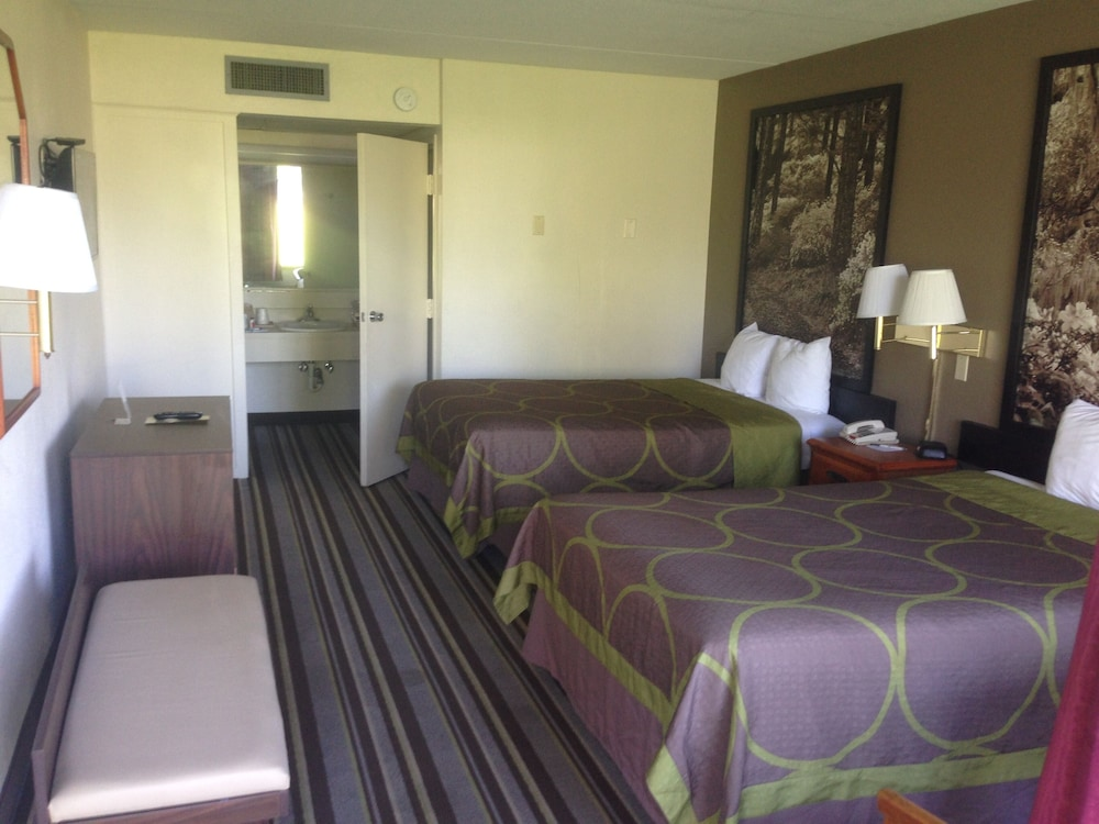 Room, Super 8 by Wyndham Valdosta Mall