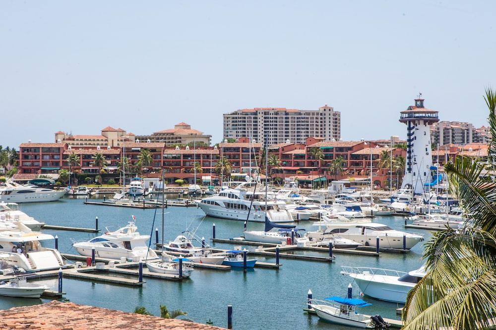Boating, Flamingo Vallarta Hotel & Marina