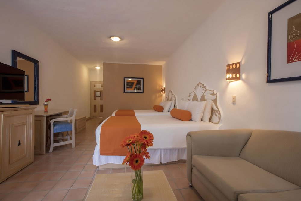 Room, Flamingo Vallarta Hotel & Marina