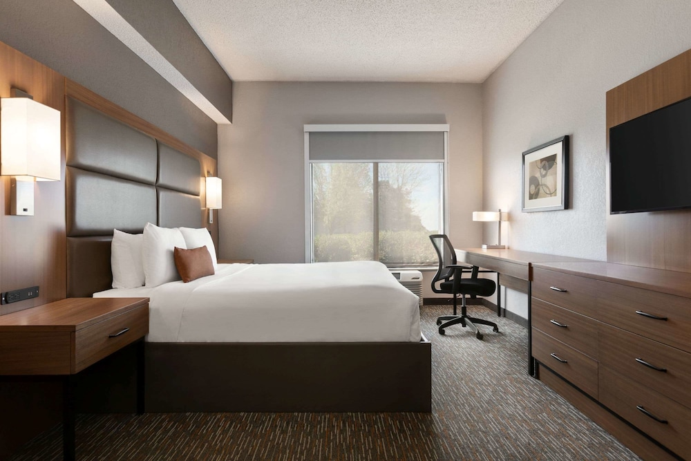 Room, Wingate by Wyndham - Cincinnati - Blue Ash
