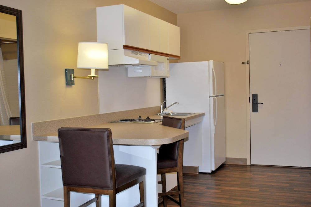 Private Kitchen, Extended Stay America - Chicago - Vernon Hills -Lincolnshire