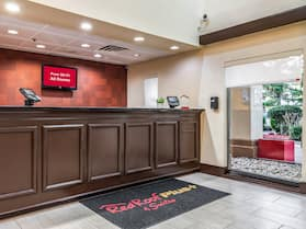 Red Roof Inn PLUS+ & Suites Atlanta Airport South