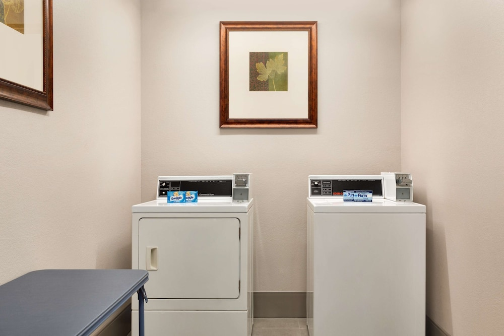 Laundry Room, Country Inn & Suites by Radisson, Warner Robins, GA