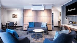 Minibar, in-room safe, desk, laptop workspace