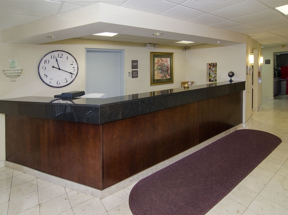 Reception, Ramada by Wyndham Angola/Fremont Area