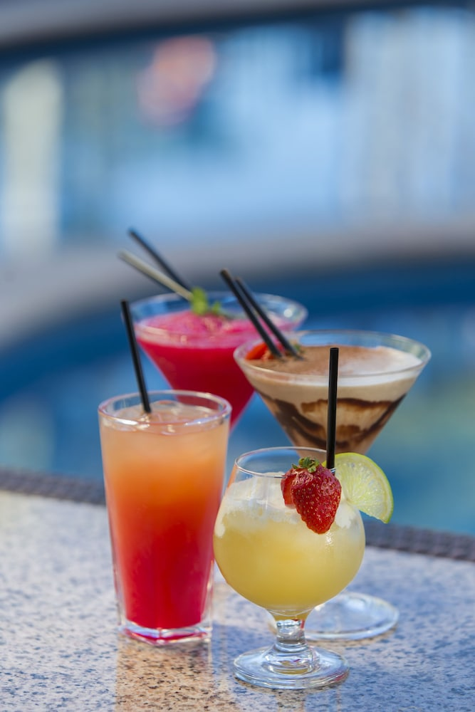 Food and Drink, Oaks Sunshine Coast Oasis Resort