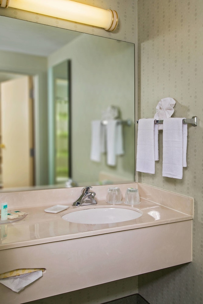 Bathroom, SpringHill Suites by Marriott Charlotte Univ. Research Park
