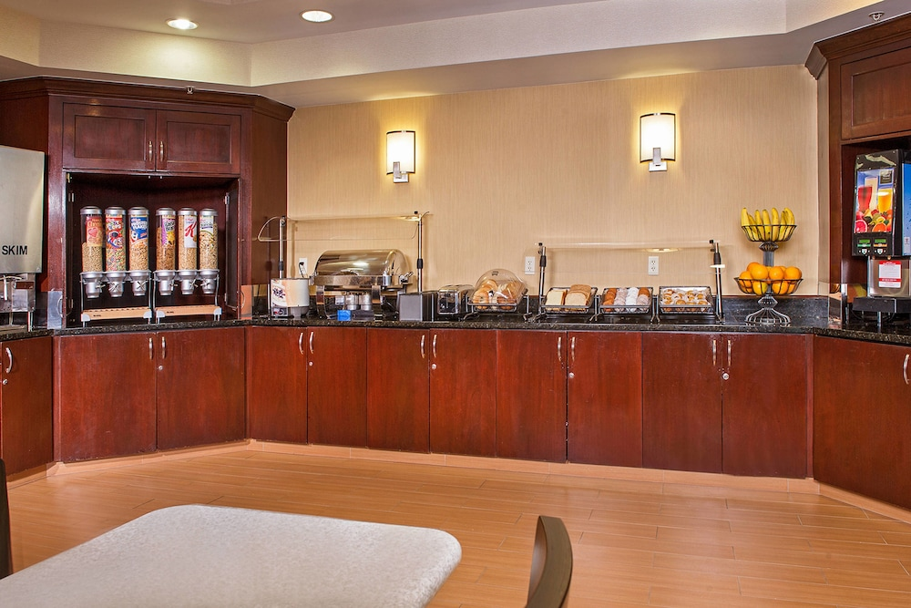 Breakfast buffet, SpringHill Suites by Marriott Charlotte Univ. Research Park