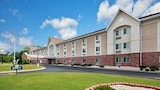 Days Inn and Suites Green Bay WI - Green Bay Hotels