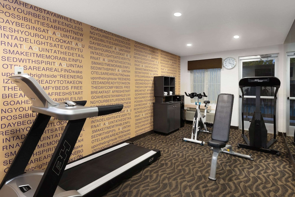 Fitness Facility, La Quinta Inn & Suites by Wyndham Las Vegas Red Rock
