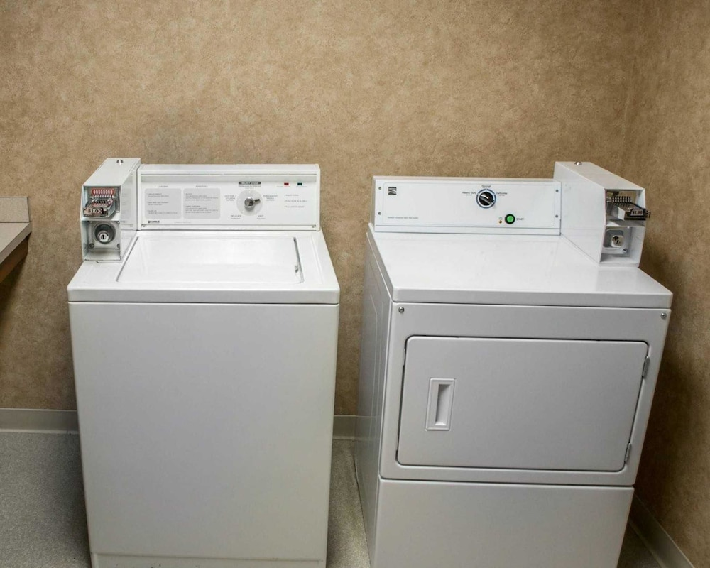 Laundry Room, Comfort Suites Southwest