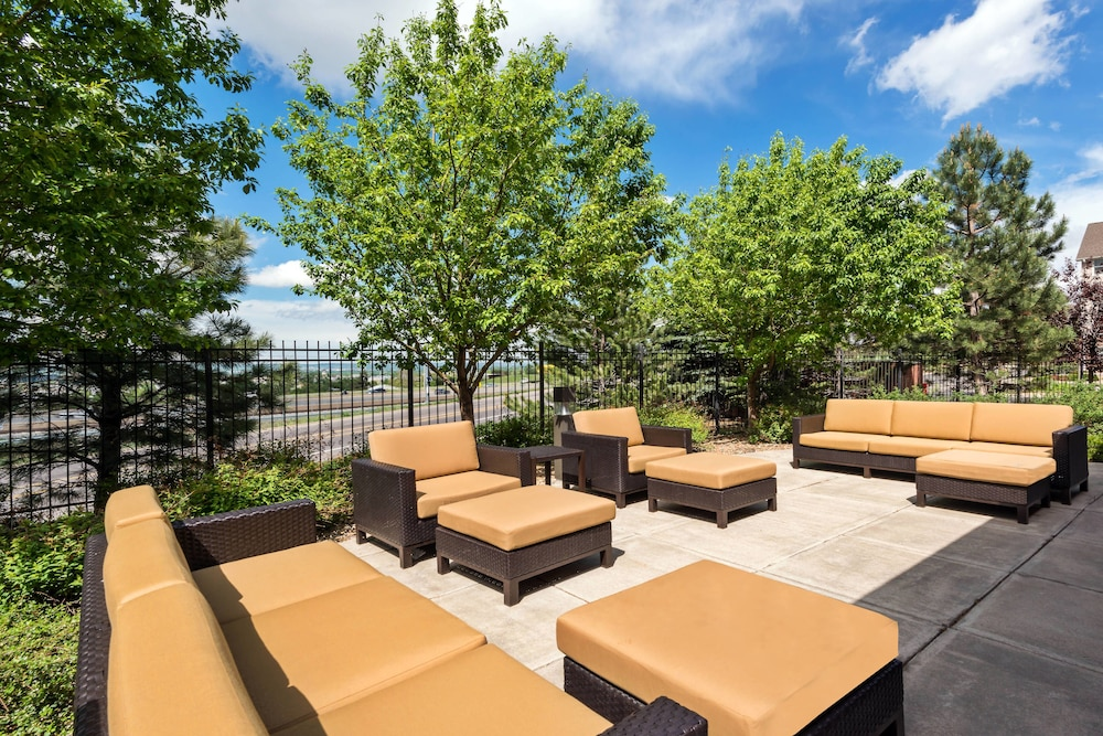 BBQ/Picnic Area, Courtyard by Marriott Denver Golden/Red Rocks