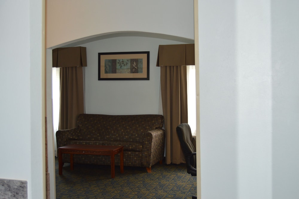 Living Area, Comfort Inn & Suites