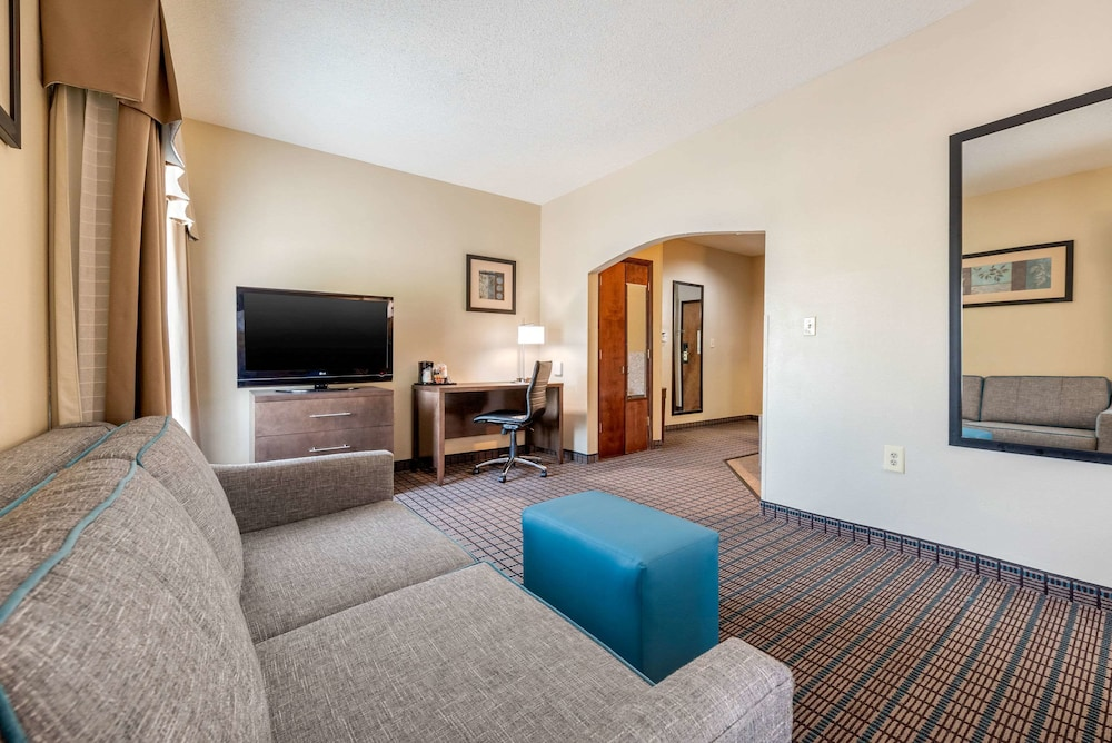 Room, Comfort Inn & Suites