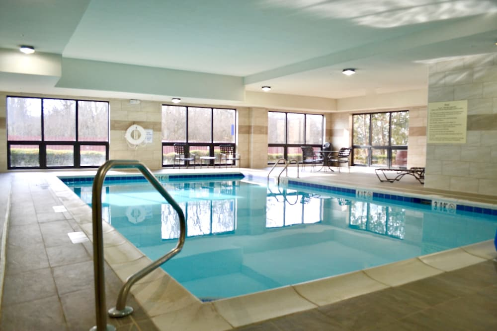 Indoor Pool, Hampton Inn Dayton/Huber Heights
